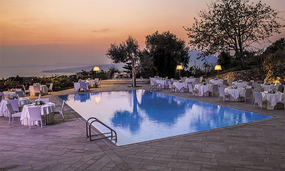 Area piscina - Hotel La Canonica