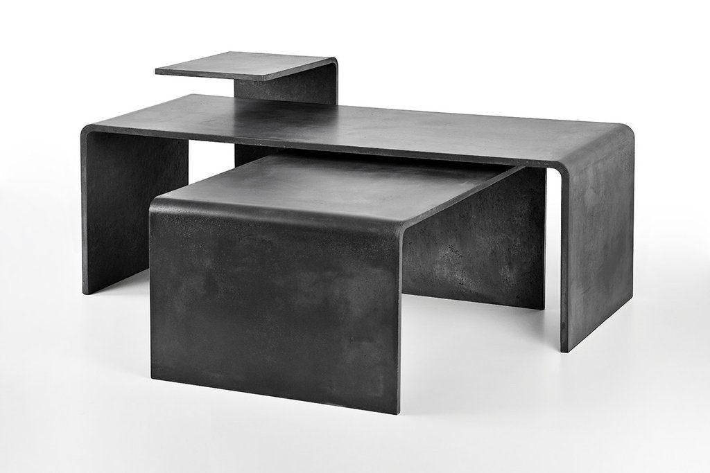 Tre tavoli da conferenza e da salotto di cemento di diverse dimensioni. Variabili a seconda dei vostri desideri.